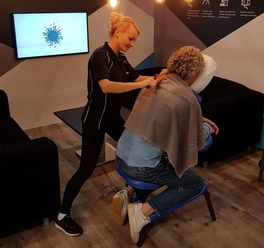 Bedrijfsstoelmassage, massage op evenement en locatie