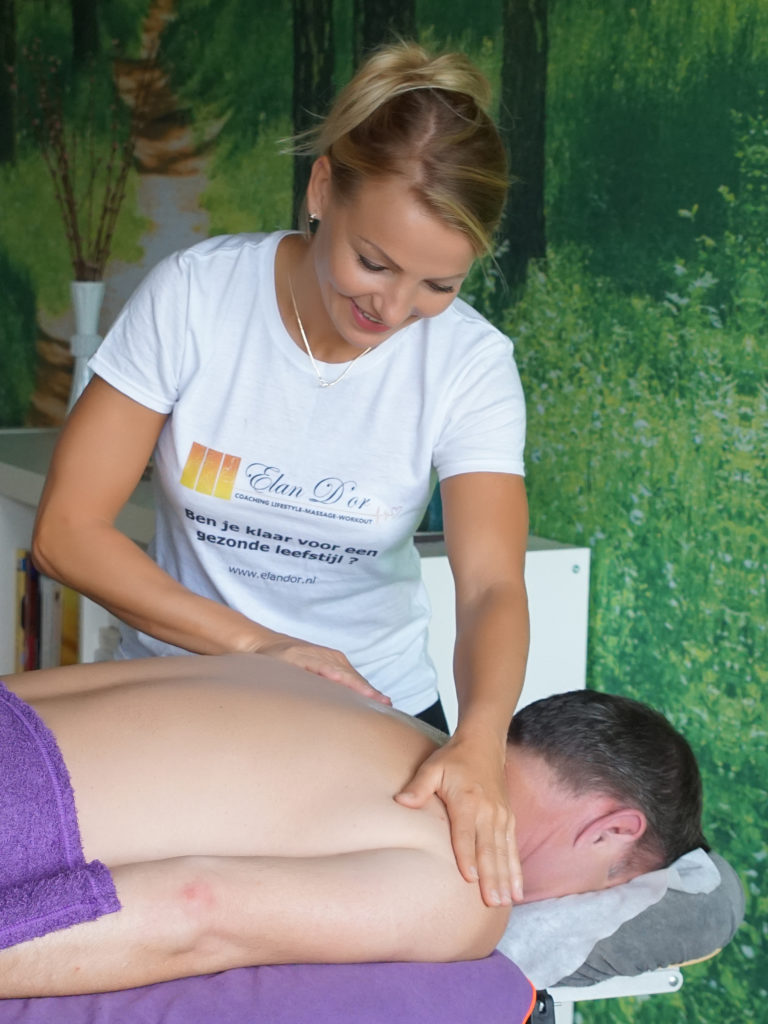 massage Utrecht. Pools en Nederlands sprekende Holistisch leefstijl coach in Utrecht. Gezonde voeding, beweging en ontspanning. Masaż, relax, zdrowe jedzenie, personalny trening.